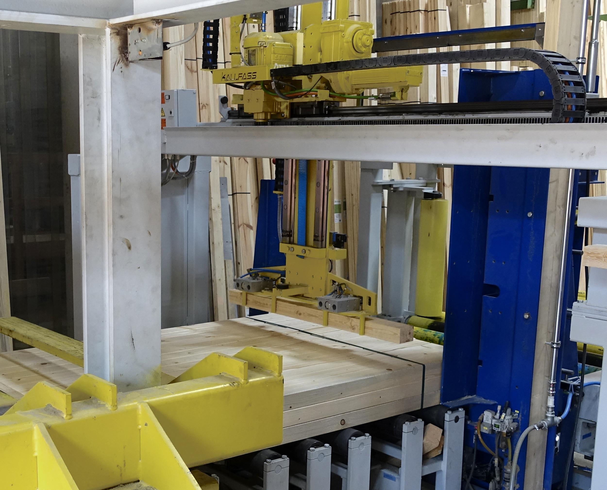 Automatische Paket-Kantholzlegung