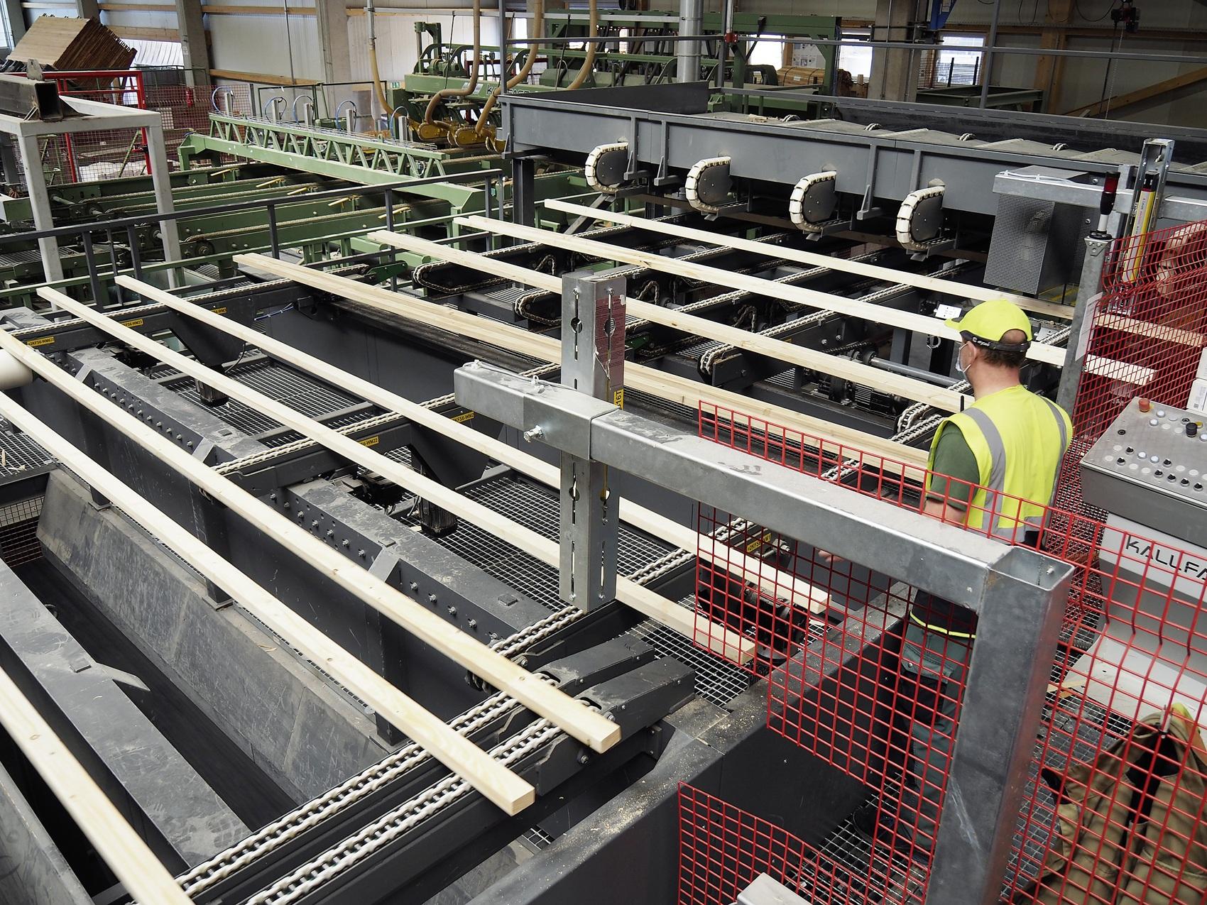 Visuelle Qualitätskontrolle von Schnittholz