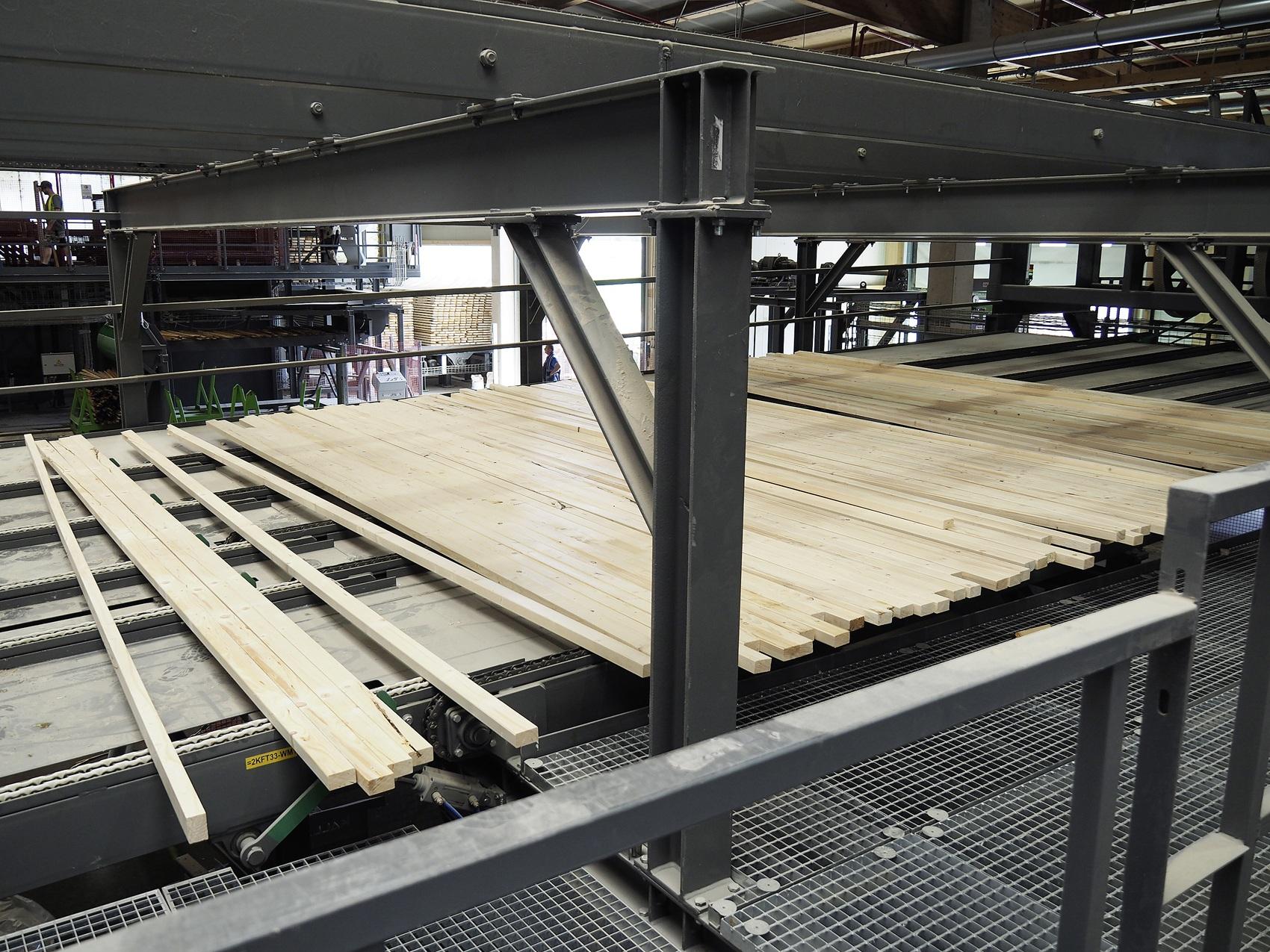 Zwischenlagerung Schnittholz in Filmetagen